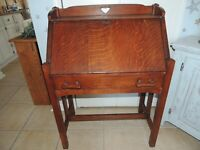 ANTIQUE ARTS AND CRAFTS OAK DROP FRONT DESK W/ CUBBY INSERT AND DRAWERS