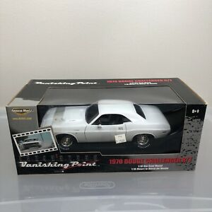 New 1:18 1970 Challenger R/T. Vanishing Point. American Muscle Car Movie White