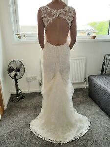 Maggie Sottero size 8 Wedding Dress. Used once.