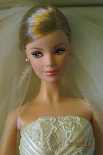 NRFB BARBIE CAROLINA HERRERA Mariée Bride B9797 collection collector gold label