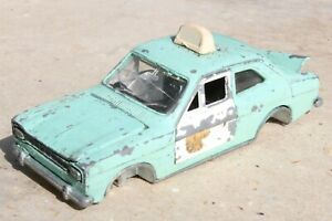 DINKY 270 FORD ESCORT POLICE PANDA CAR to restore/spares 1960s