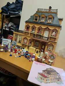 Playmobil Victorian Mansion 5300 Figures Loads Of Furniture and Instructions
