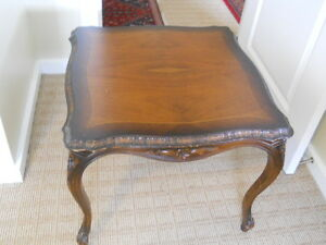 ANTIQUE SOLID WALNUT SQUARE LAMP/COFFEE TABLE WITH INLAID AND HAND CURVED MOTIV