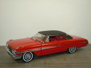 1964 Ford Galaxie 500 - Sun Star 1:18 *47525