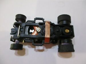 AUTO WORLD 4 GEAR PURPLE WHEELS HO SCALE SLOT CAR CHASSIS