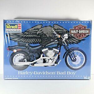 Harley Davidson Bad Boy 1998 Revell Monogram 1/8 Scale Skill 2 NEW