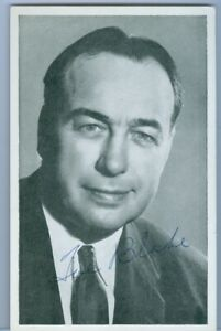 1950's B&W Portrait Montreal Canadiens Habs Signed Postcard - HECTOR TOE BLAKE