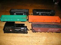 HO TRAIN LOT LOCOPC. 6 ATHEARN AHM LOCOMOTIVE FREIGHT CARS