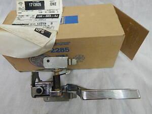 New NOS GM part # 1713926 1977-90 Full Size Door Handle RH