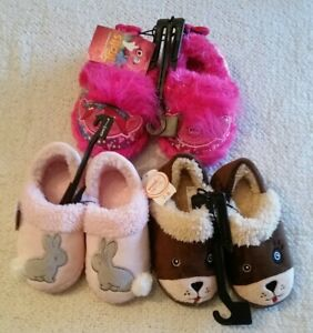 lots of children's  slippers,size 7-8 ,trolls & wonder nation,made in china
