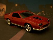 1984 84 CHEVY CAMARO Z/28 COLLECTIBLE DIECAST MODEL 1/64 SCALE DIORAMA - DISPLAY