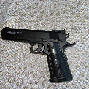 Sig Sauer 1911 Air Soft Gun 4.5 mm Spring Action