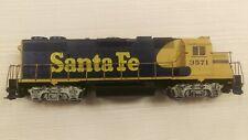 Athearn HO GP38 locomotive Santa Fe #3571 looks weathered, runs good