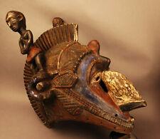 8587:AFRIKA,HOLZ, ausdruckstarke Holzmaske mit zwei Figuren, tolle Handarbeit!