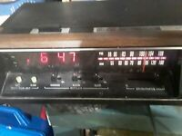 Vintage 70's General Electric GE 7-4670F Digital Alarm Clock AM FM Radio works