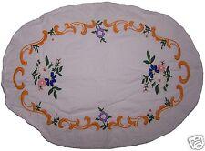RUNNER Centro Tavolo Shabby Chic Bianco Ricamato Mazzo di fiori Artigianale