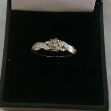 Beautiful Vintage 9 Carat White Gold & Diamond Solitaire Ring -Crossover Shank-C