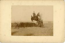 Sport Équestre, Démonstration Militaire du Saut à cheval, ca.1900, Vintage citra