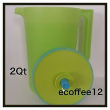 Tupperware Classic 2 Qt. Pitcher with Push Button Seal