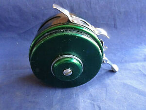 "A GOOD VINTAGE AUTOMATIC 3"" TROUT FLY REEL"