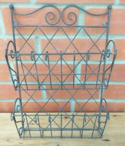 Vintage Style Metal Paper /Magazine / Newspaper Rack Wall Hanging Shabby Chic