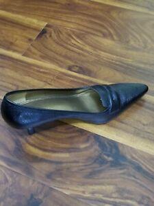 Unisa black leather slip on shoes low heel size 8