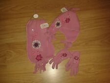BNWT PINK HAT, SCARF AND GLOVE SET FROM CLAIRES  BEAUTIFUL ITEM