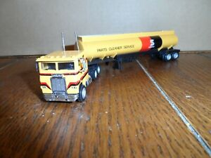 HO SCALETRACTOR AND TANK TRAILER  SAFETY KLEEN