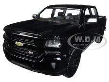 2017 CHEVROLET SILVERADO 1500 LT Z71 CREW CAB BLACK 1/24 DIECAST MOTORMAX 79348