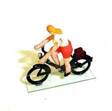 Frau auf Fahrrad fahrend Preiser Holzfiguren 50er Jahre H0 1:87 #140 å√