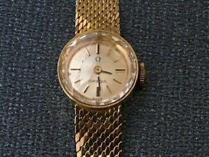 VINTAGE OMEGA 14K SOLID GOLD  SWISS MADE - ROUND LADIES WATCH