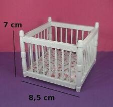 parc pour bébé miniature,maison de poupée,vitrine,meuble bois blanc  M1