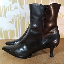 Stuart Weitzman Brown Leather Kitten Heel Women's Size 7 Ankle Boots $265 Retail