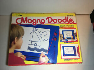 Vintage 1990 TYCO Magna Doodle Magnetic Drawing Toy With Box