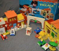VINTAGE 1973 Fisher Price Little People Play Family Village-#997-COMPLETE W/BOX