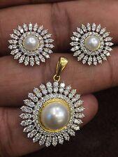 6.14 Cts Round Brilliant Cut Diamonds Pearl Pendant Earrings Set In 18Karat Gold