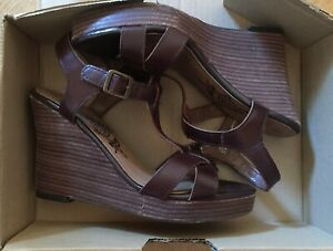 BNIB NEW Boxed NEXT Ladies Chocolate Leather Wedge Sandals Shoes Size 6