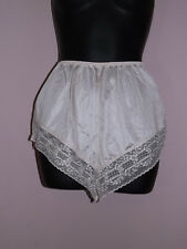 Vtg Collectible Classics PEEK-A-BOO SATIN LACE FLUTTER TAP PANTIES M Ivory Tan