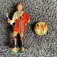 W Britians 5948 Chief Blackhawk Broken Shield. Colorful and Cool!