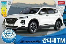 Academy 1/24 Scale Hyundai Sante Fe Suv5 #Acd15135-New in Box