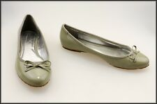 CHARLES BY CHARLES DAVID WOMEN'S FLATS DESIGNER SHOES SIZE 8 B