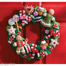 Bucilla Gingerbread COOKIES AND CANDY Felt CHRISTMAS WREATH Kit Factory Direct