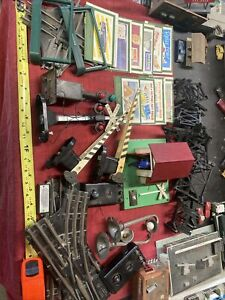 Large Lot of Vintage Lionel Trains Watchman Signals Billboards EXTRAS L👀K REPA