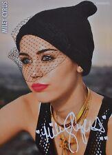 MILEY CYRUS - Autogrammkarte - Signed Autograph Autogramm Clippings Fan Sammlung