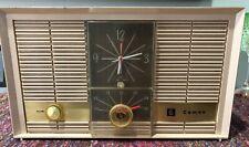 (1) 1960's Cameo model 54N18-03 Am Aa5 tube clock radio