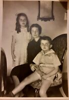 Vintage 1930s Photo of Cute Little Girl & Boy Mother all Look up Family New York
