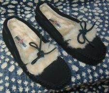 MINNETONKA Black Suede Slippers Women's Size 7 Moccasin 40700