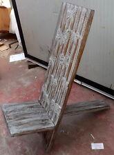 Chaise en bois de l'acajou type chaise longue blanc décapée entaillée à la main