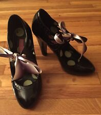 Betsey Johnson Black Patent Leather Mary Jane Heel Shoes w/ Ombre Bow sz 6M EUC