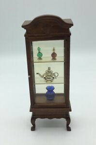 Dolls House Display Cabinet With Ornaments